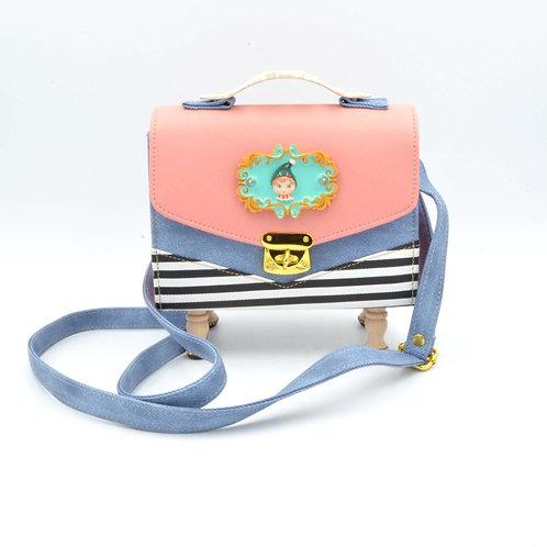 小丑娃娃綴粉紅色間條盒子木腳方型手袋 PU材質 Baby Doll with PU Blue Box Handbag with Wooden Legs