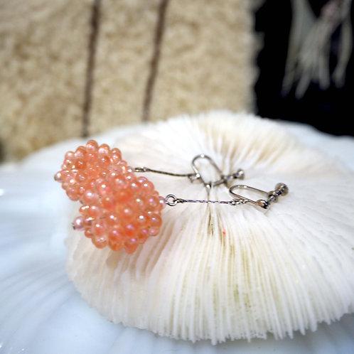 珊瑚色小圓樹脂珠子夾式耳環耳夾 貴婦人淑女 日本高級二手古著珠寶首飾