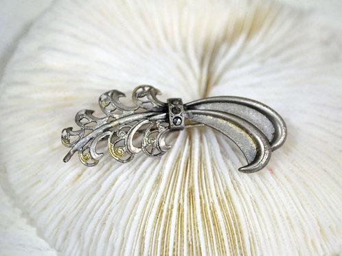 鍍銀細緻通花造型胸針 高貴優雅 日本高級二手中古珠寶首飾
