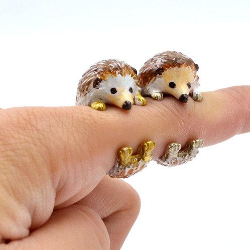 手繪刺蝟寶寶戒指 黃銅白銅材質 可屈曲調整尺寸 Hedgehog Ring with Hand Painting Brass Bronze Adjustable