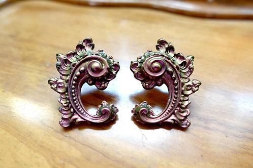 TIMBEE LO 金屬風幻彩金色紫色宮廷風巴洛克Baroque雕花耳釘耳環 的副本