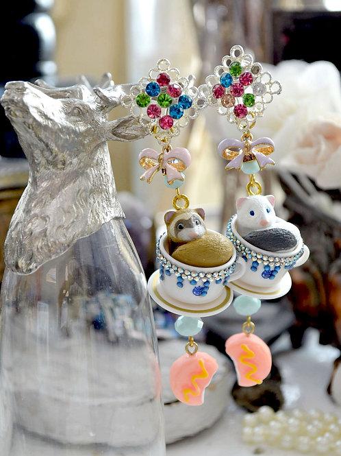 貂鼠茶杯綴施華洛水晶耳環