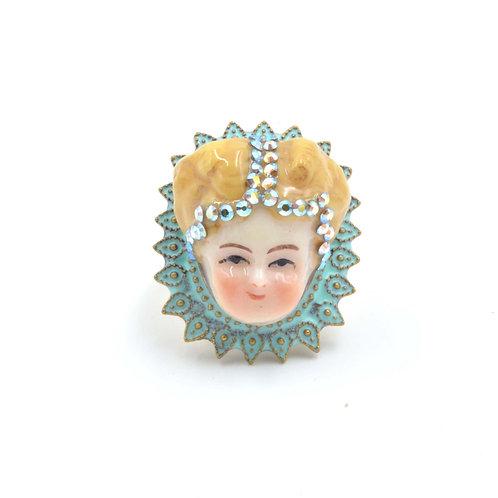 瑪麗皇后娃娃戒指 黃銅可翻新不掉色 可調整尺寸 綴施華洛水晶