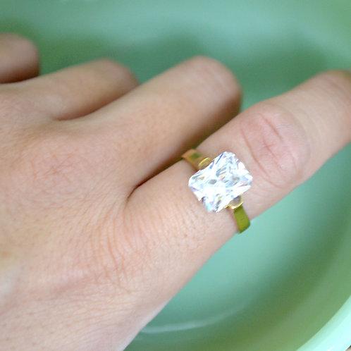 簡約方形鋯石 黃銅材質 圓形戒指 兩個尺寸可選 有白色,黑色,紫色