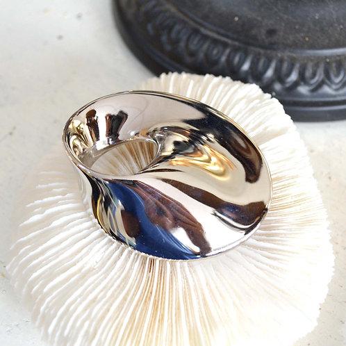 鍍銀拋光飛碟流線形胸針心口針別襟針 日本高級二手中古珠寶首飾