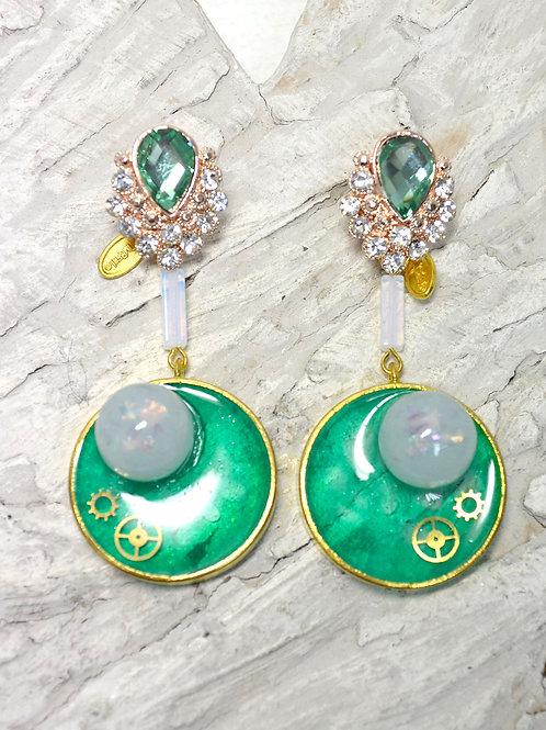 綠色不規則珠子機械零件耳環