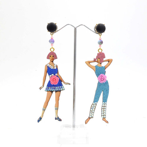 TIMBEE LO 復古風經典服裝模特兒圖案 木片耳環 綴施華洛水晶