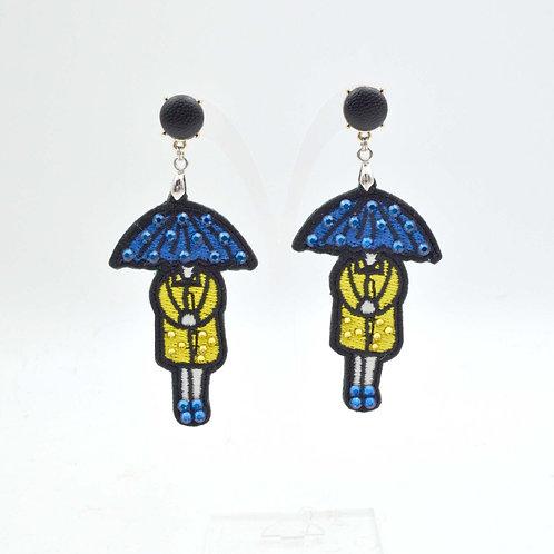 雨傘頭女孩刺繡綴施華洛水晶耳環 閃粉滴膠背面高級華麗精美手工 的副本