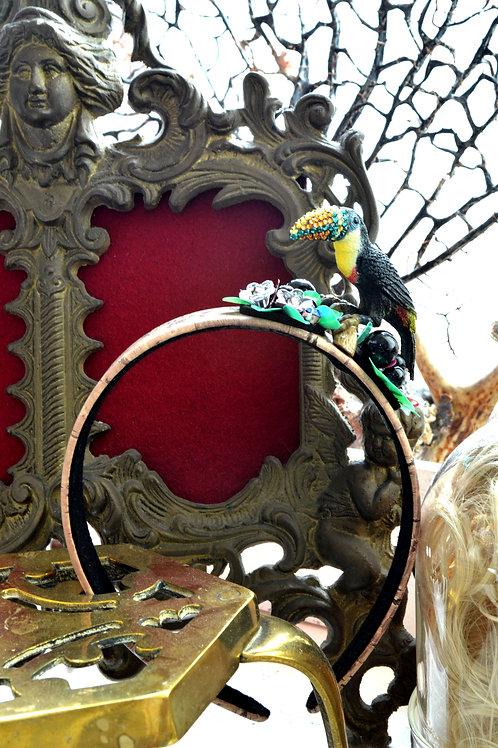 大嘴鳥綴水晶石 珠片小花 水松木皮包髮箍