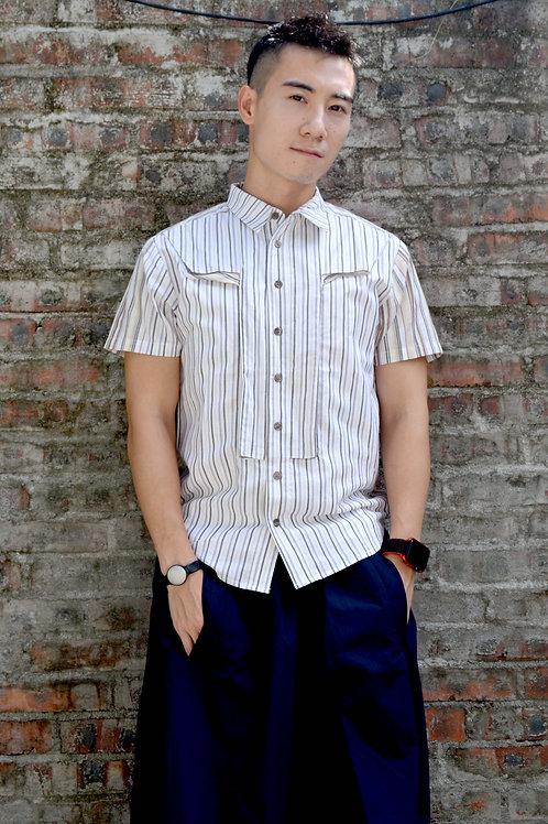 TIMBEE LO T字型立體撞色拼接設計 灰白色細條子短袖襯衫中性恤衫