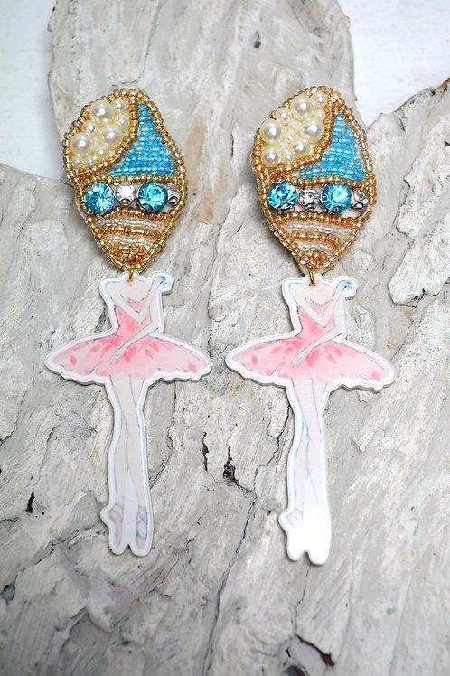 釘珠海螺頭人偶耳環 超現實設計系