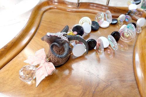 TIMBEE LO 粉紅色山羊羚羊綴水晶石頸鍊項鍊 幻彩泡沫珠子蝴蝶結