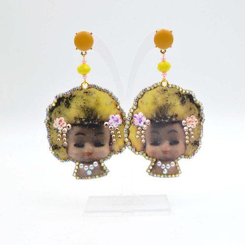 恐怖中古風娃娃木片耳環 繞水晶石花邊 美國訂製 雷射切割 可訂製