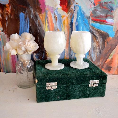 日本古董 翠白色天然瑪瑙水晶石亮面酒杯原生杯 高雅品酒家冰杯