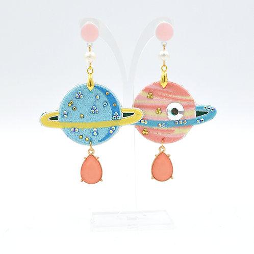 刺繡土星綴施華洛水晶耳環