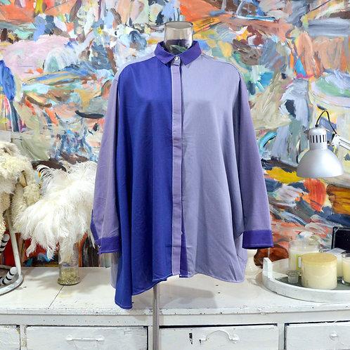 TIMBEE LO灰藍拼色不規則斗蓬中性恤衫外套 原身雙色無縫全棉布料