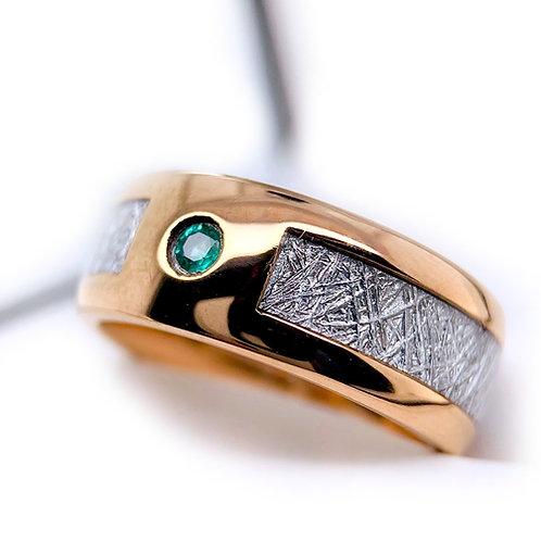 Rose Gold Meteorite ring with Green Emerald Stone, Mens Wedding Band, Women Ring