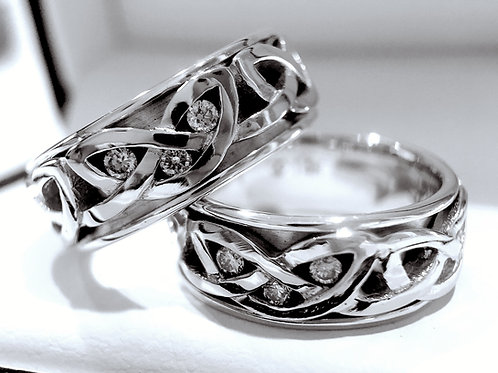 14k White Gold Celtic Knot Ring with Three Diamond Stone Setting - 8mm