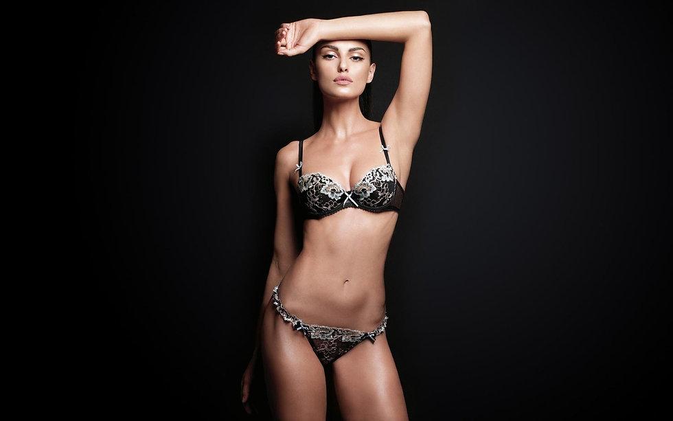 Sexy Hot Bikini Wallpaper -b-114.jpg