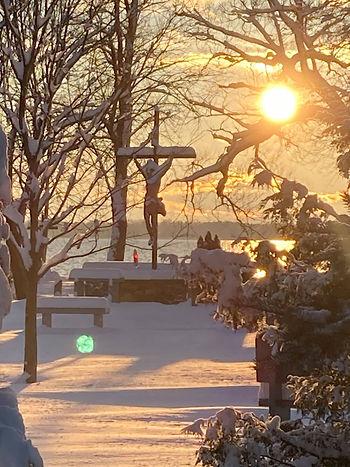 crucifix_snow_sunset.jpg