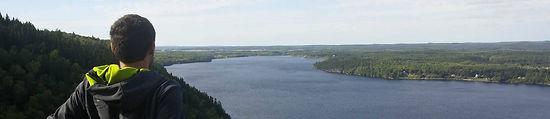 Beau paysage montagne paysage rivière Saguenay