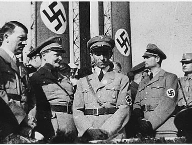Was Adolf Hitler the total master of the Third Reich, or was he a 'weak dictator'?