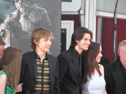 William_Moseley,_Ben_Barnes_&_Anna_Poppl