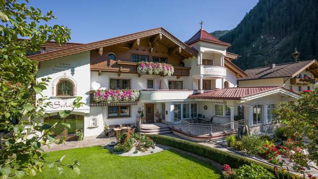 Alpinschloessl_Hollenzen_108_Mayrhofen_0