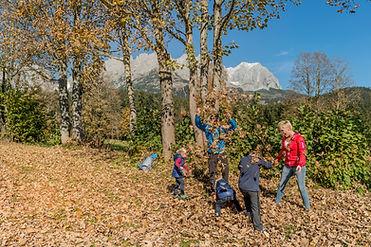 Familie-Wandern-Herbst-Wilder-Kaiser-Fot