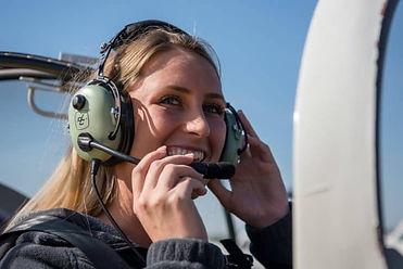 pilot-aviation-headset-women-david-clark