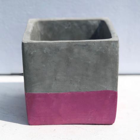 "4.5"" cement cube, fuchsia"