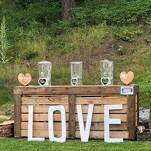 Tall & Thin LOVE sign
