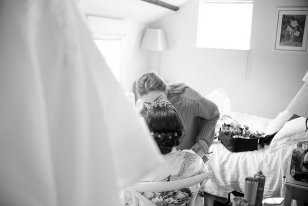 Bridal Prep 17 (B&W).jpg
