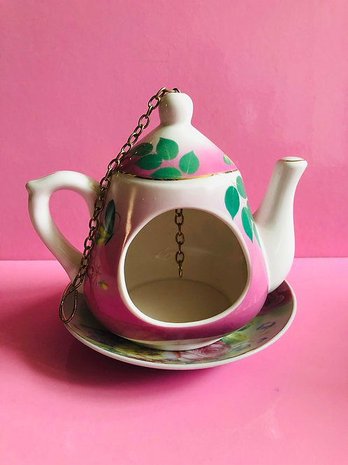 Teapot Bird Feeder (pink)