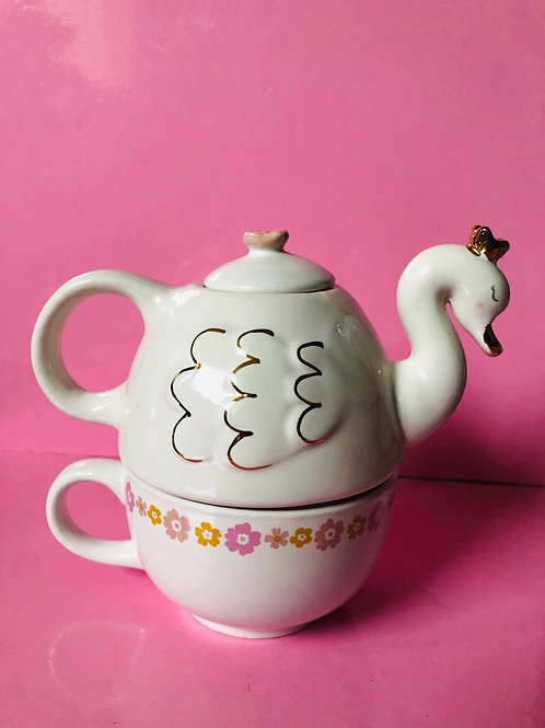 Swan Tea for One