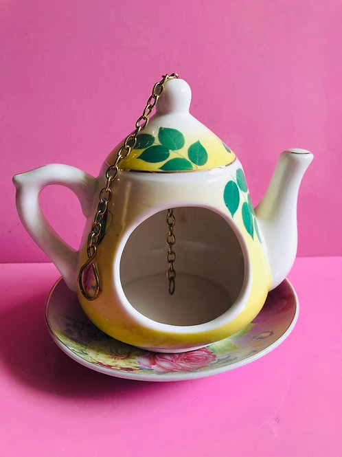 Teapot Bird Feeder (yellow)