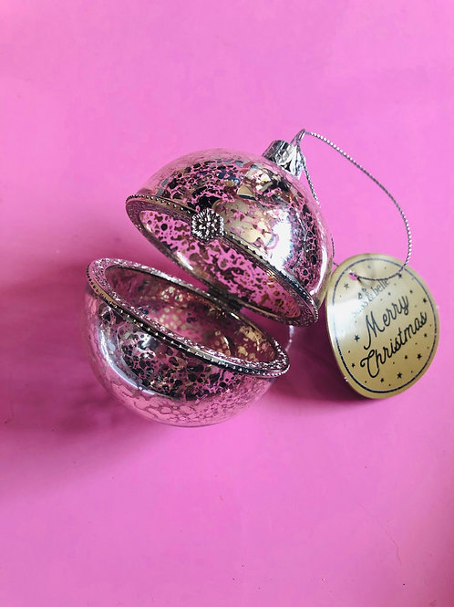 Opening Bauble