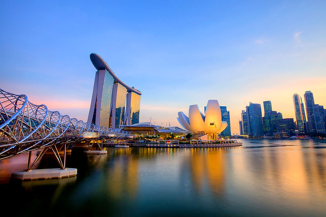 Singapore-skyline-marina-bay-Asia.jpg
