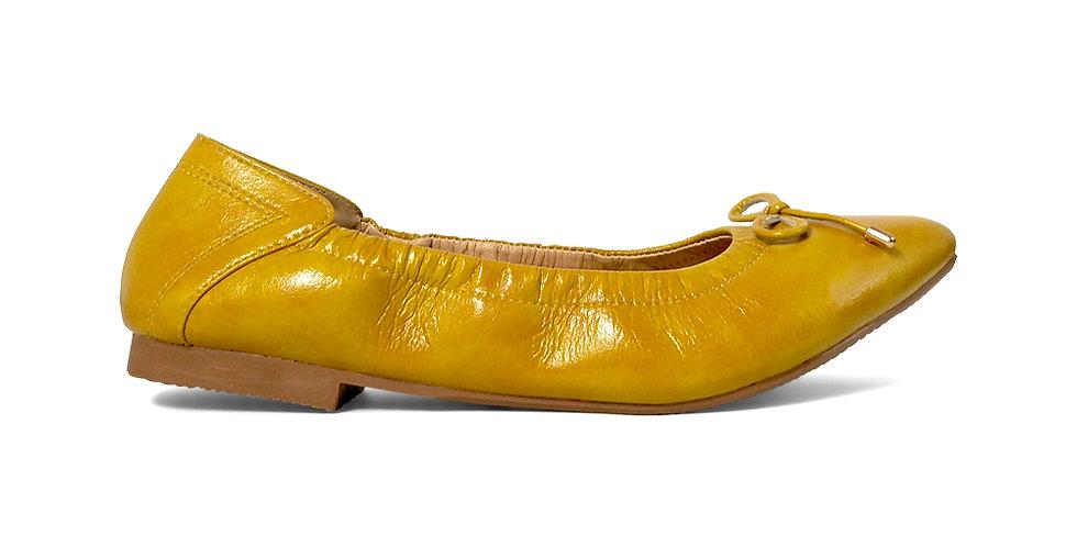 Giày Búp Bê Mũi Nhọn AD màu vàng