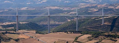 Viaduc de Millau depuis le Cap de Costes-Brunas