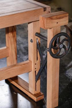 Craftsman-table-06