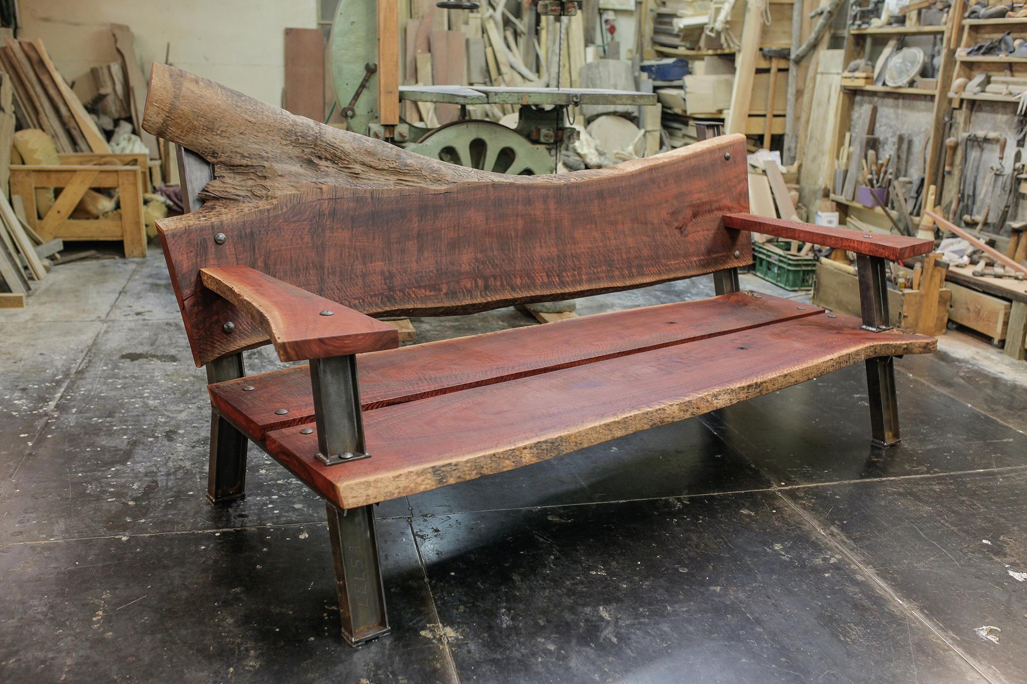 eucalyptus bench 03