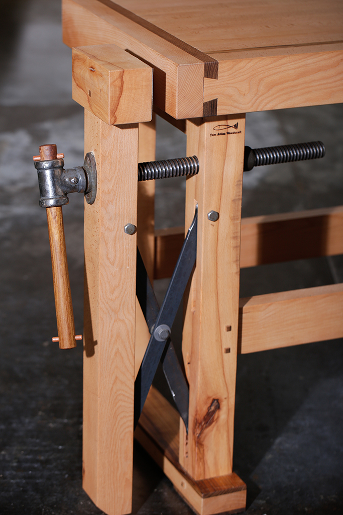 Craftsman-table-05