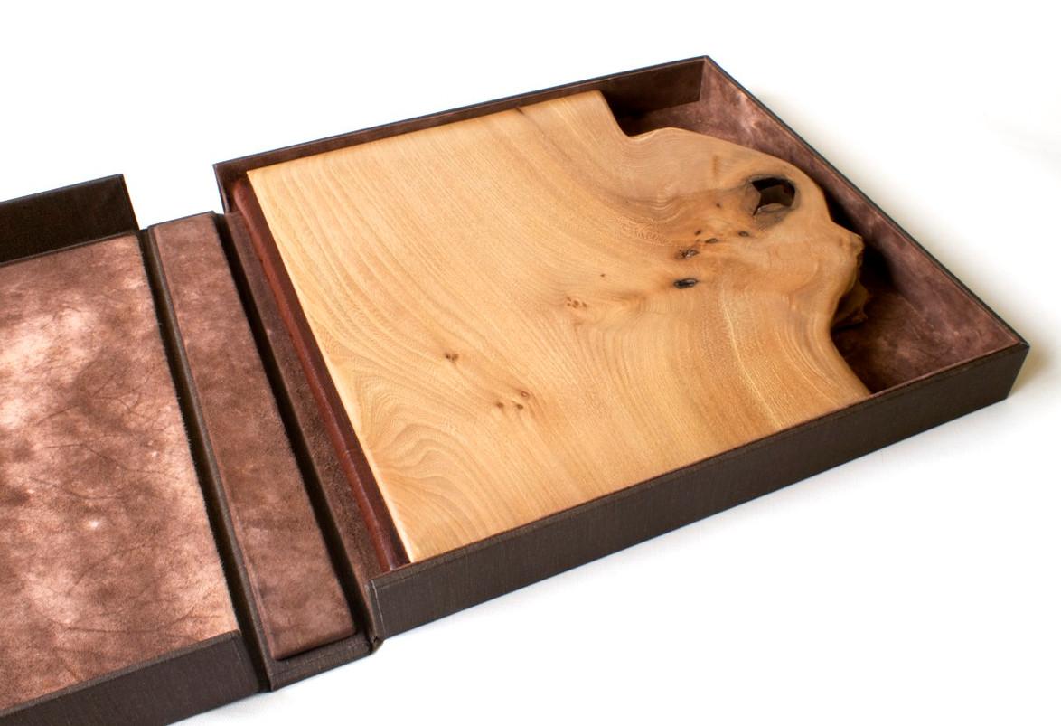 Oak Wooden Boards Binding in a Suede Lined Deluxe Box