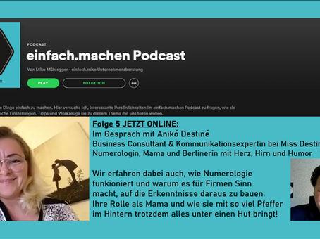 Folge  5 des einfach.machen Podcasts online: Anikó Destiné, Business Consultant vorm Mike