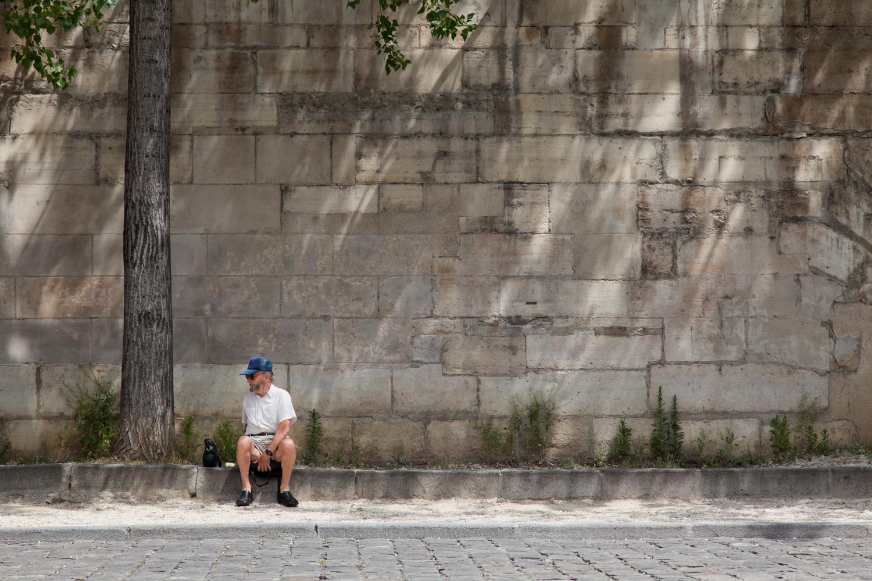 Quick Rest - East Bank of the Seine, Paris - 2016