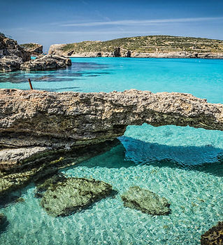 blue-lagoon-malta-beaches.jpg