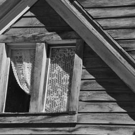 ST Elmo Window