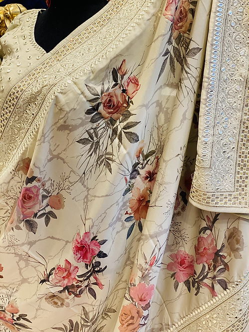 Beautiful floral saari comes with stitched blouse (S,MLXL)