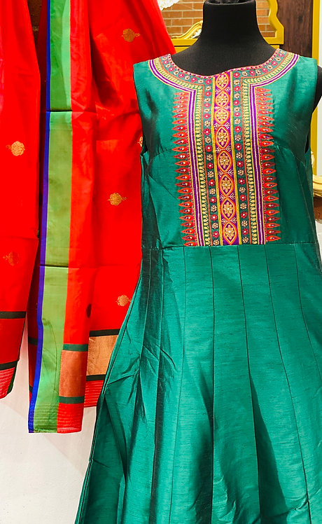 Rangrez series green Anarkali comes with contrast red dupatta .